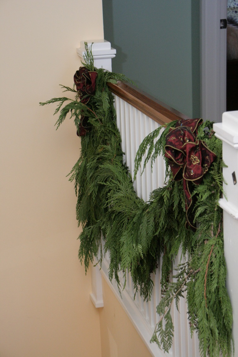 Elegant Incense Cedar Garland